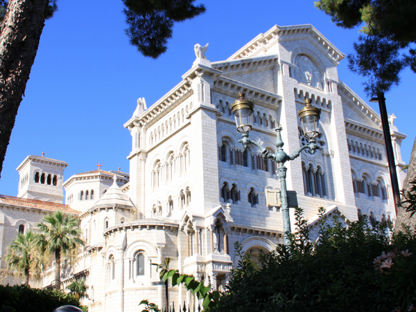 Monaco Cathedral © Martinp1 - licence [CC BY-SA 3.0] from Wikimedia Commons