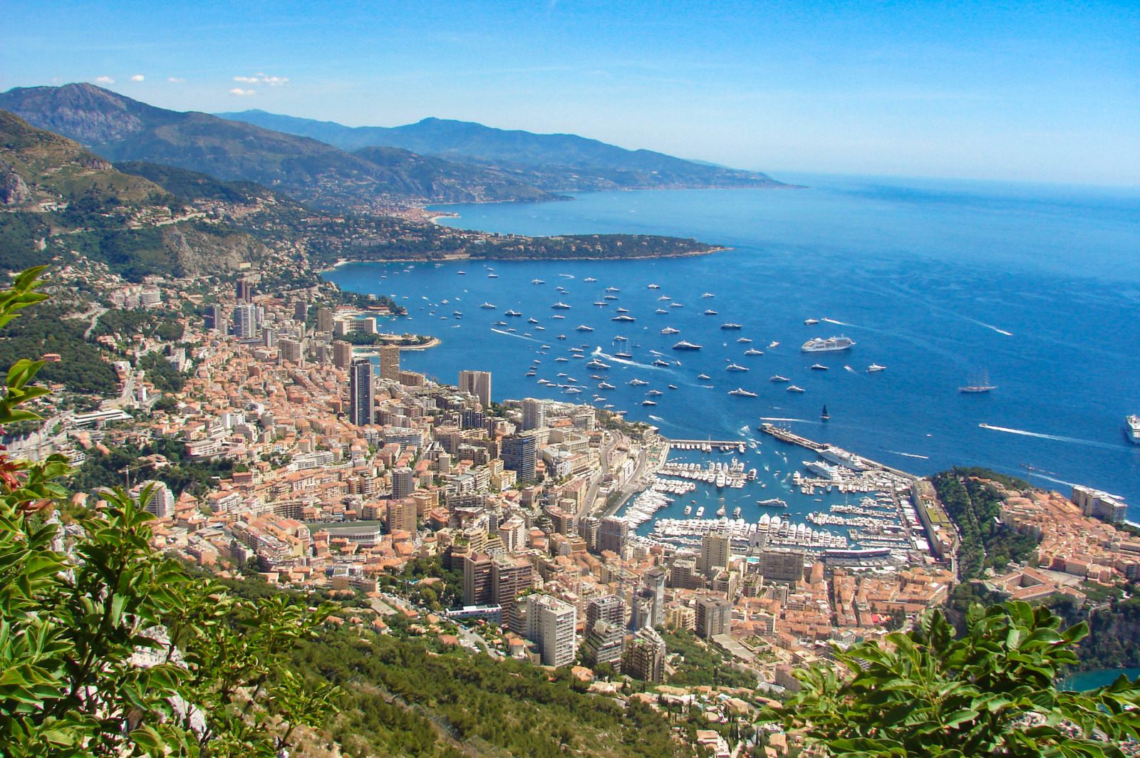 The view to Monaco from Tête de Chien in La Turbie © avu-edm - licence [CC BY 3.0] from Wikimedia Commons
