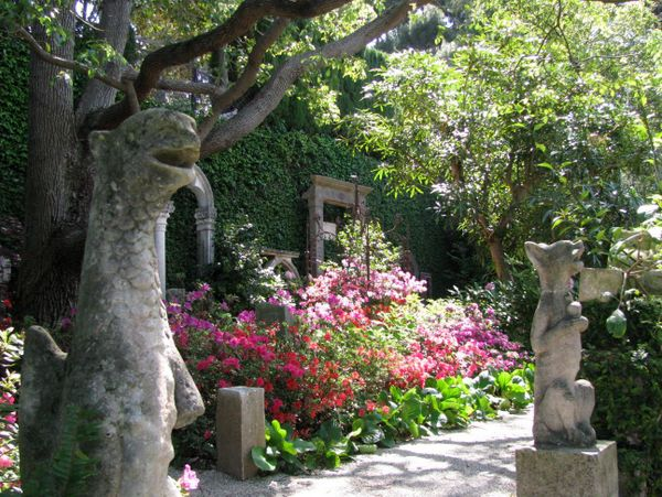 Stone Garden at Villa Ephrussi de Rothschild © Testus - licence [CC BY-SA 3.0] from Wikimedia Commons