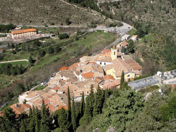 Upper view of Sainte-Agnes by Tangopaso (Public Domain)