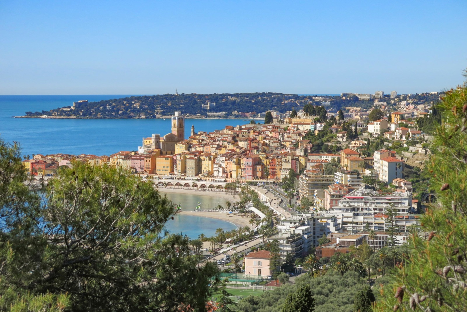 The old town of Menton from the Domaine des Colombières. Photo: Tangopaso (Public Domain)