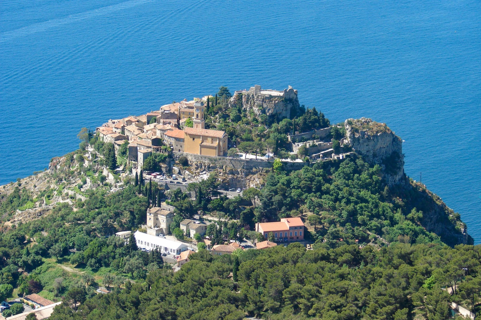 Eze © avu-edm - licence [CC BY 3.0] from Wikimedia Commons