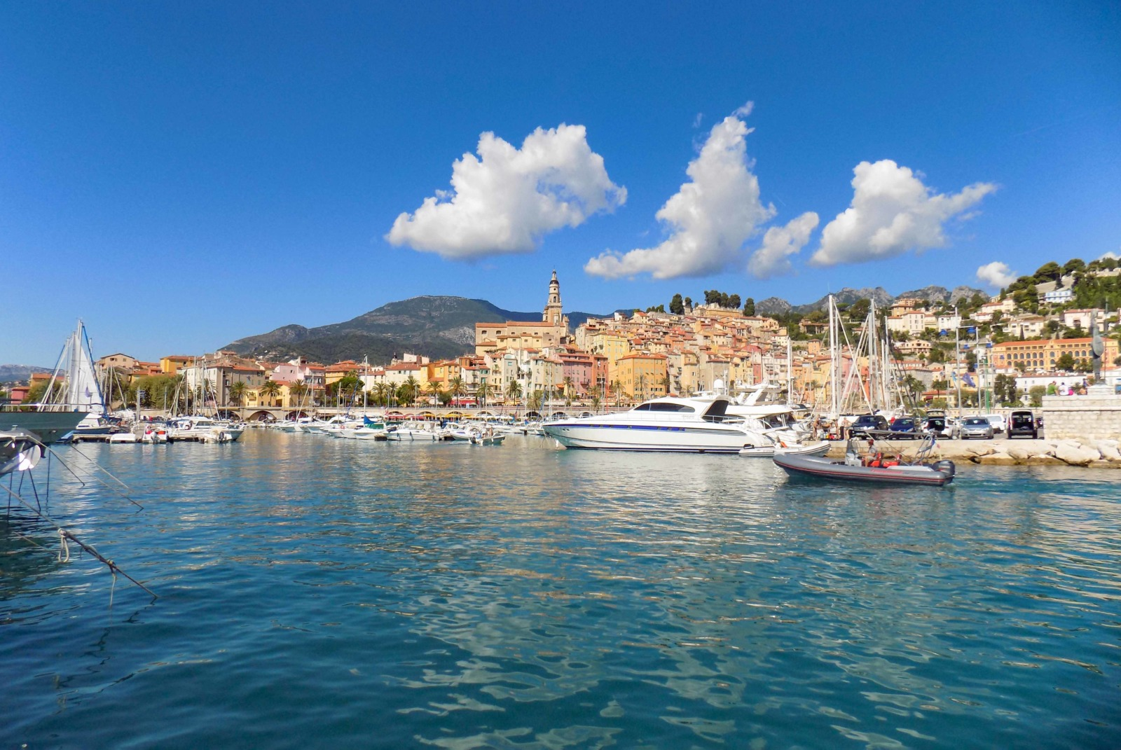 Menton © Claire2595 - licence [CC BY-SA 3.0] from Wikimedia Commons