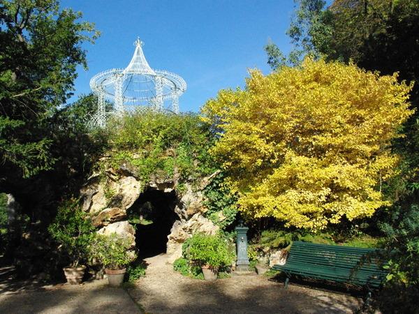 Four Wings Grotto, Parc de Bagatelle © French Moments