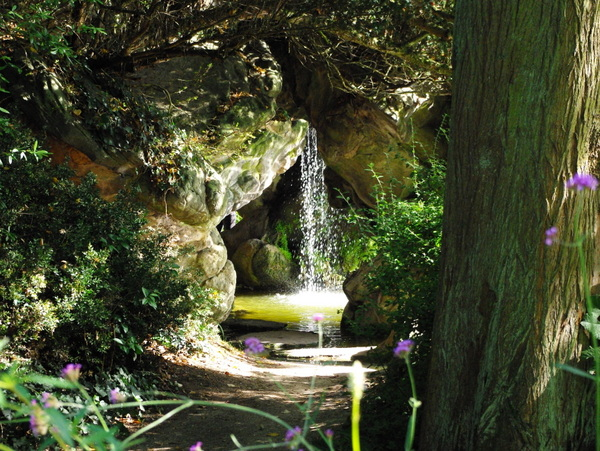 Grotto and Waterfall, Parc de Bagatelle © French Moments