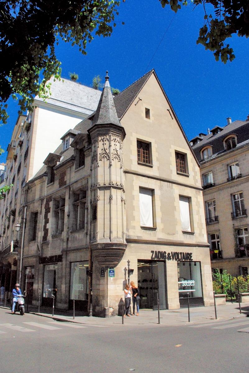 54 rue Vieille du Temple, Paris © French Moments