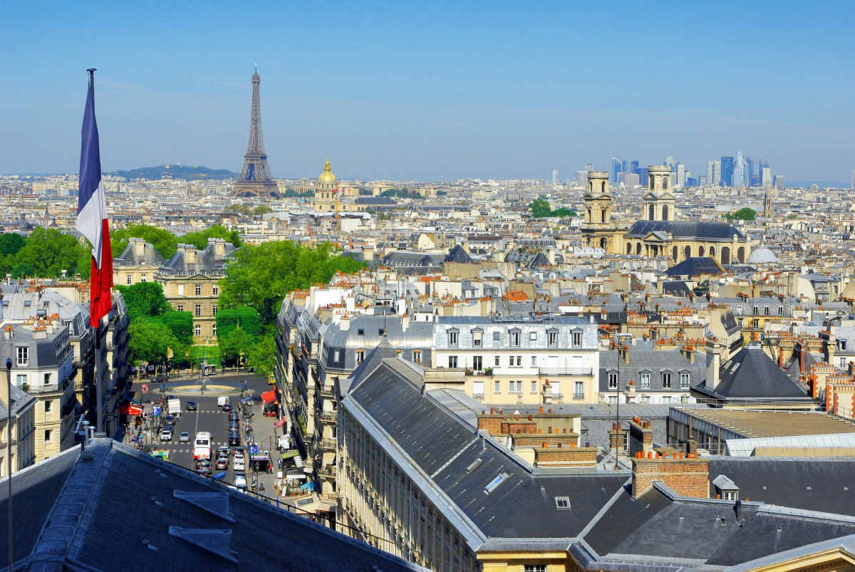 Largest cities of France - Paris in May from Pantheon © French Moments