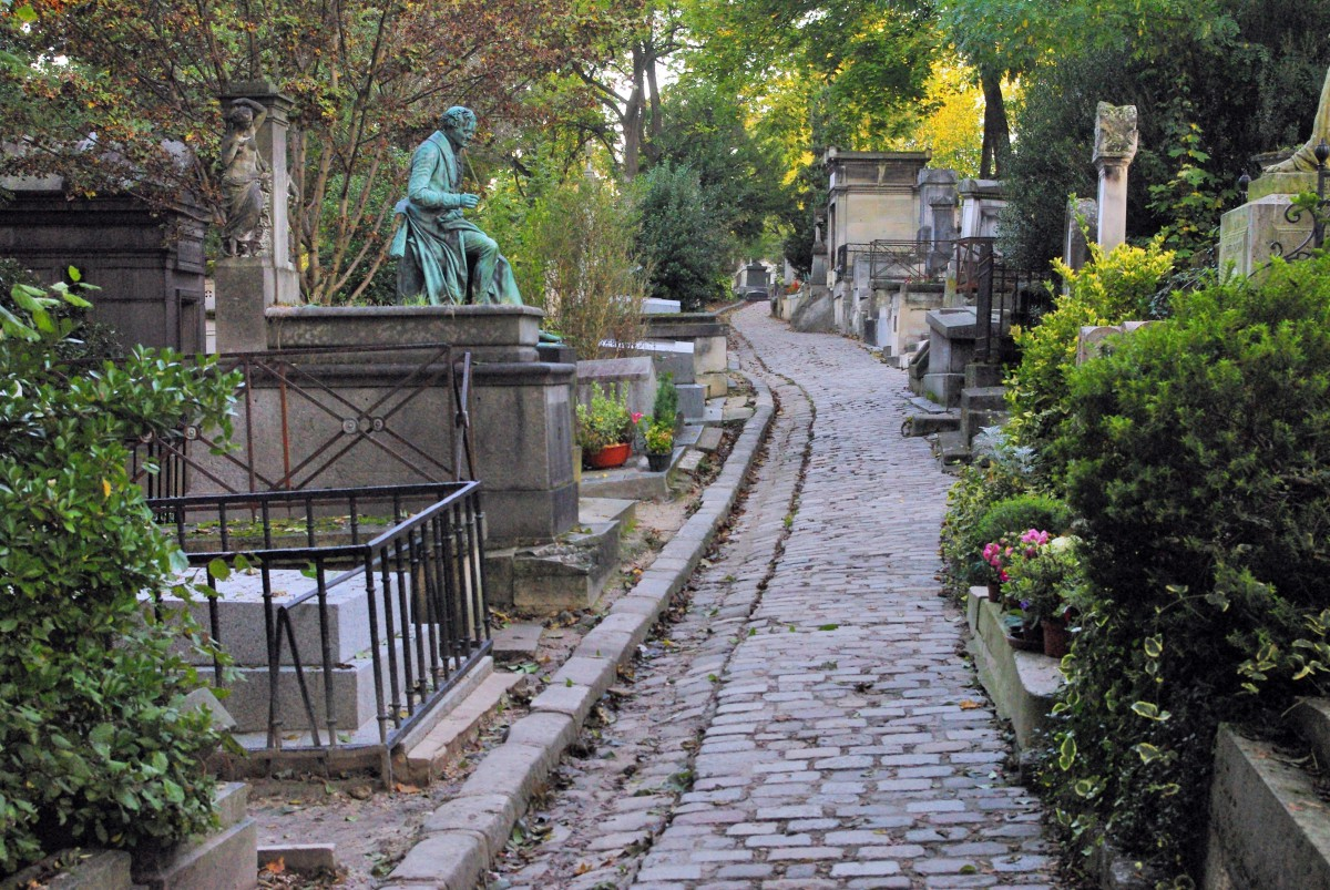 Père Lachaise Cemetery © French Moments