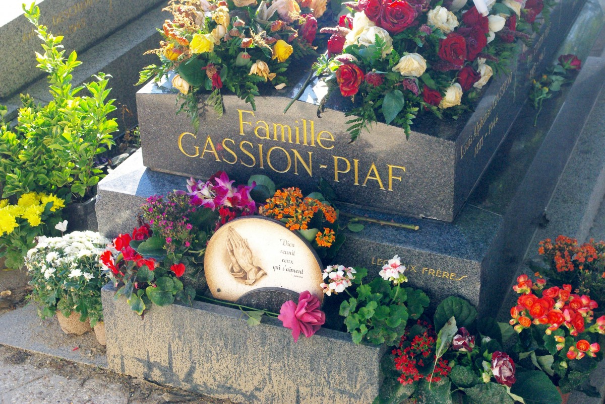 Pere Lachaise Cemetery © French Moments