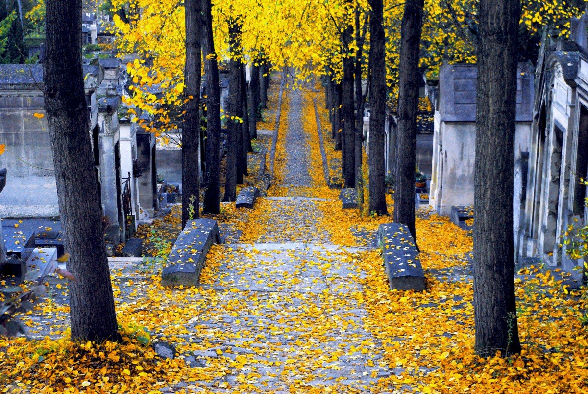 Pere Lachaise Cemetery, Paris © French Moments