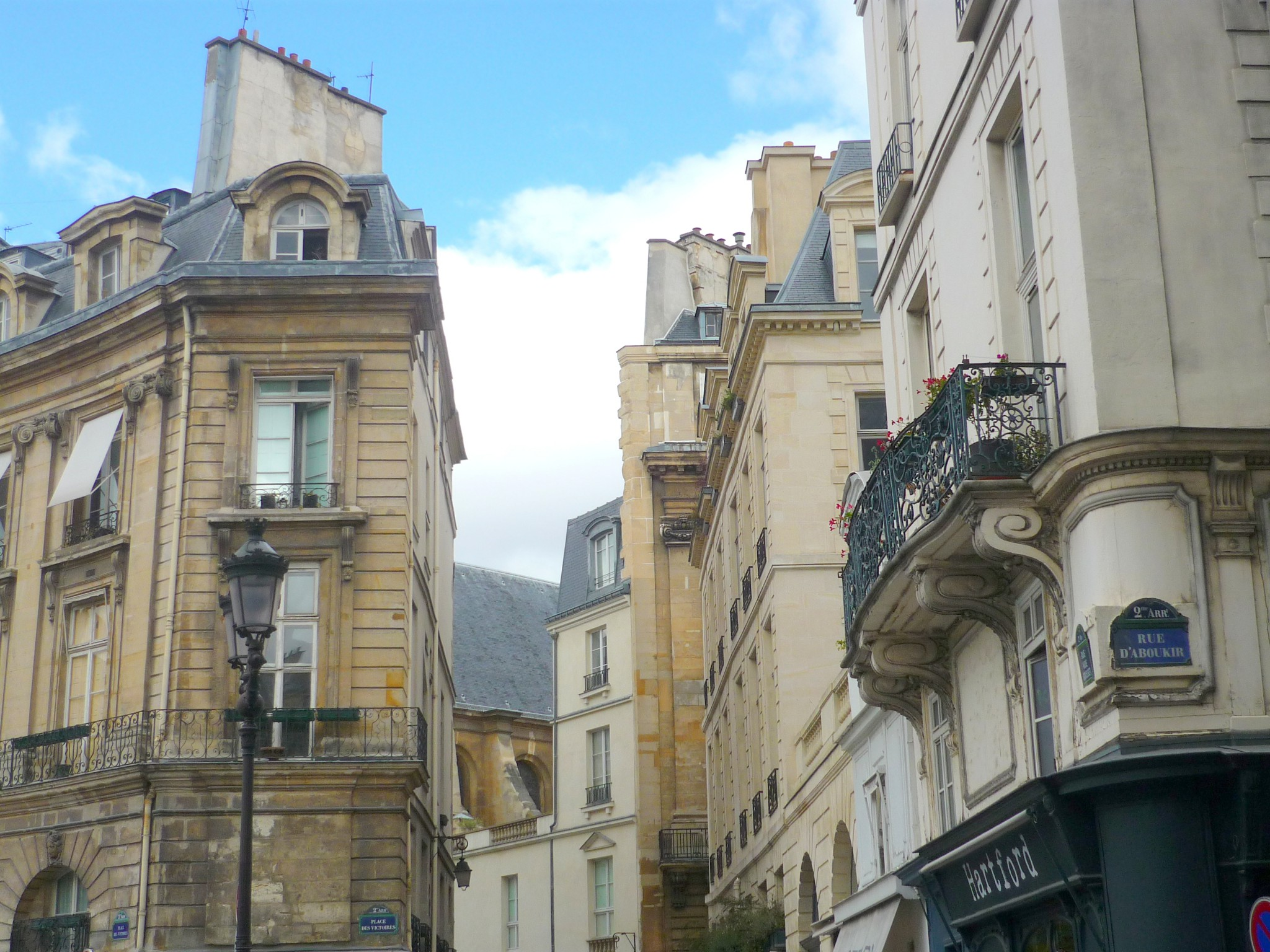 The Arrondissement of Paris - Rue d'Aboukir © French Moments