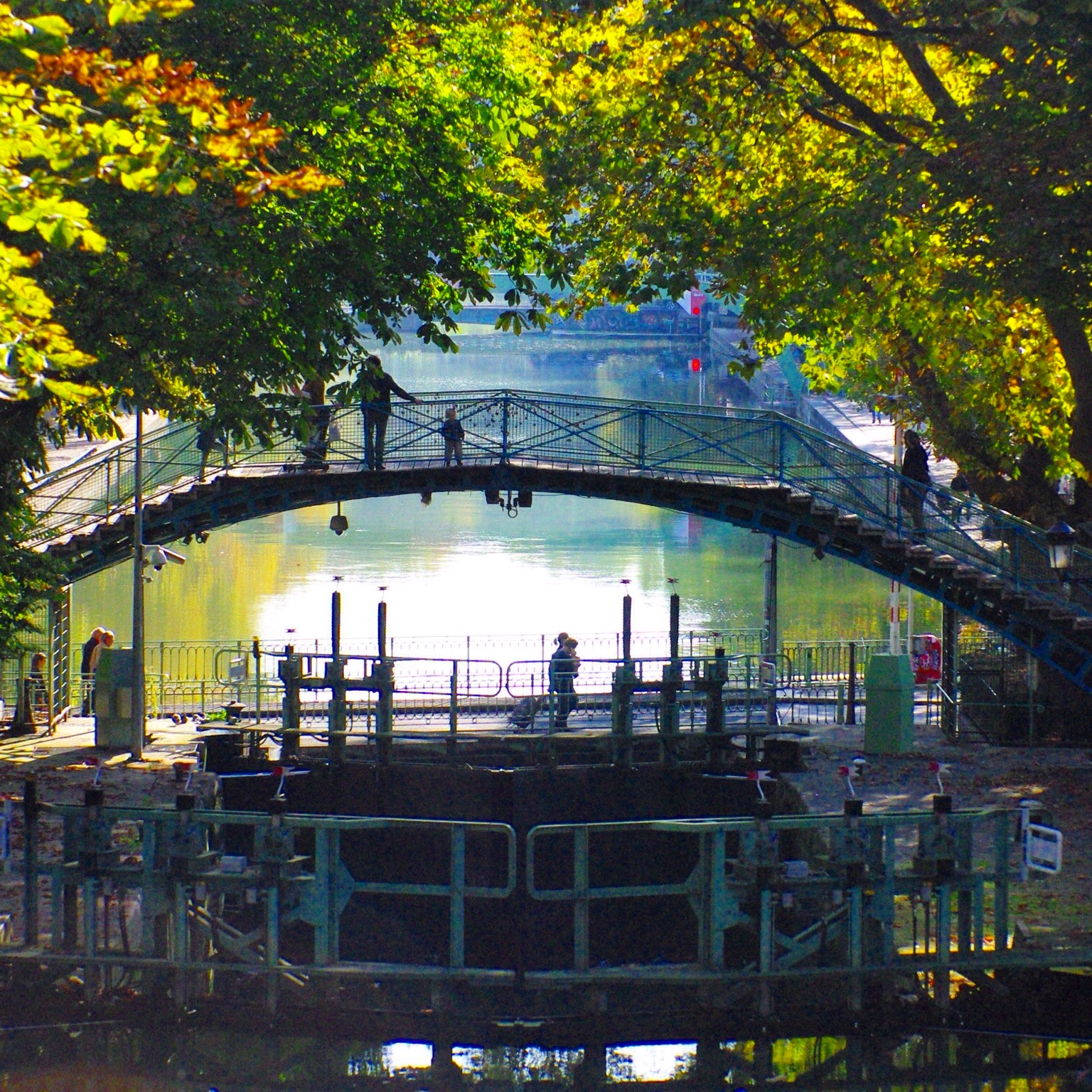 Canal Saint-Martin in Autumn © French Moments