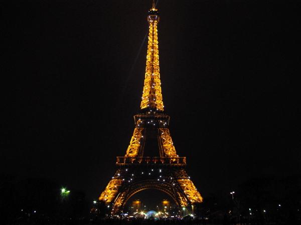 Tour Eiffel Champ de Mars © French Moments