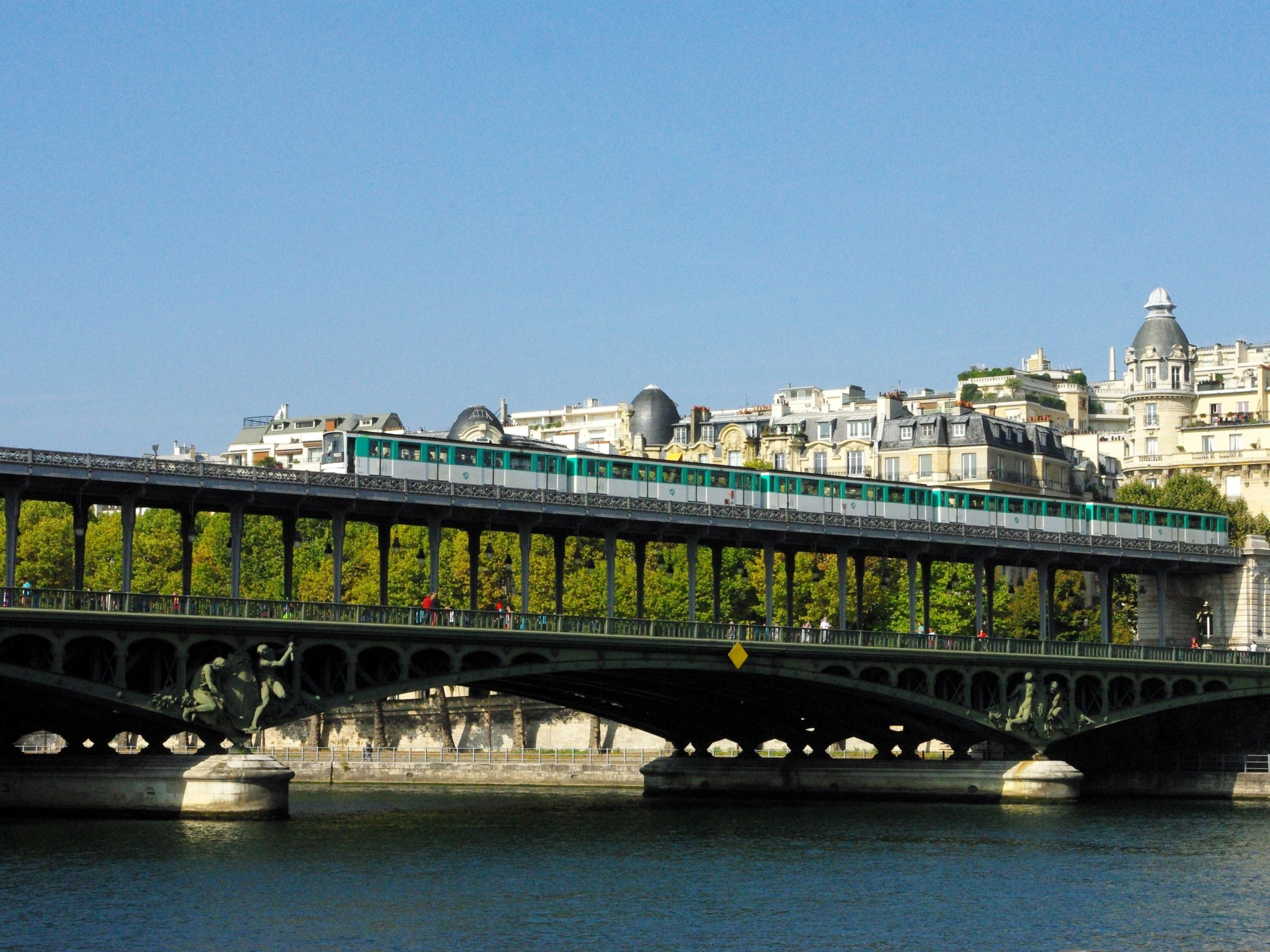 Pont de Bir-Hakeim 04 © French Moments