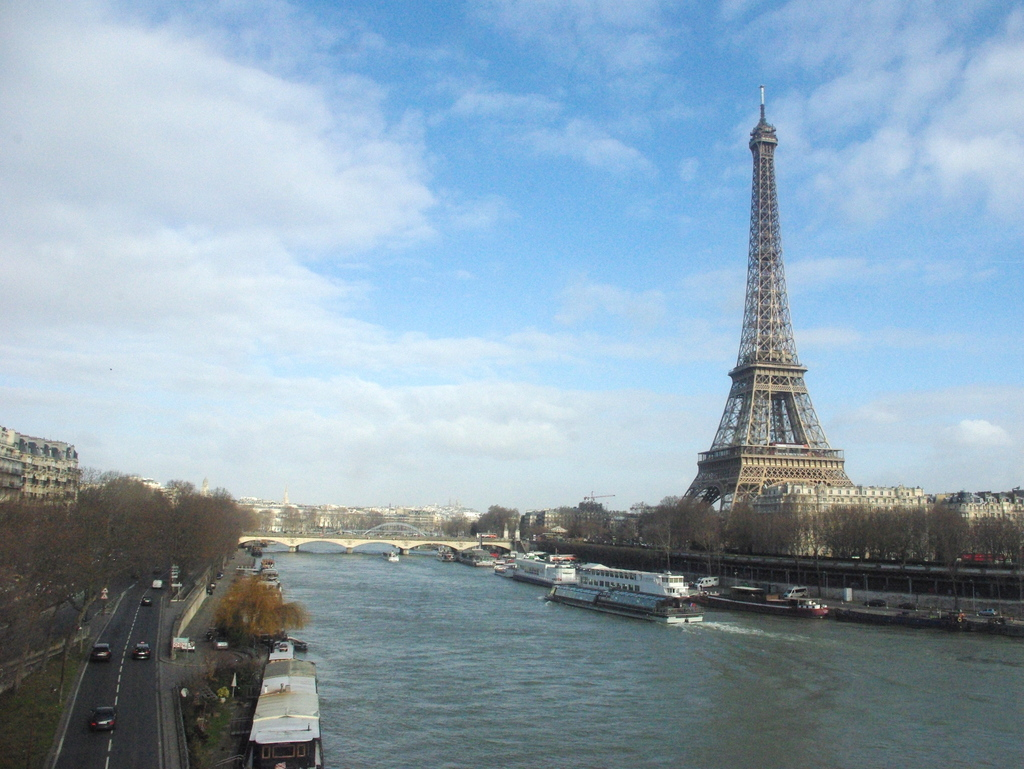 Tour Eiffel Line 6 © French Moments