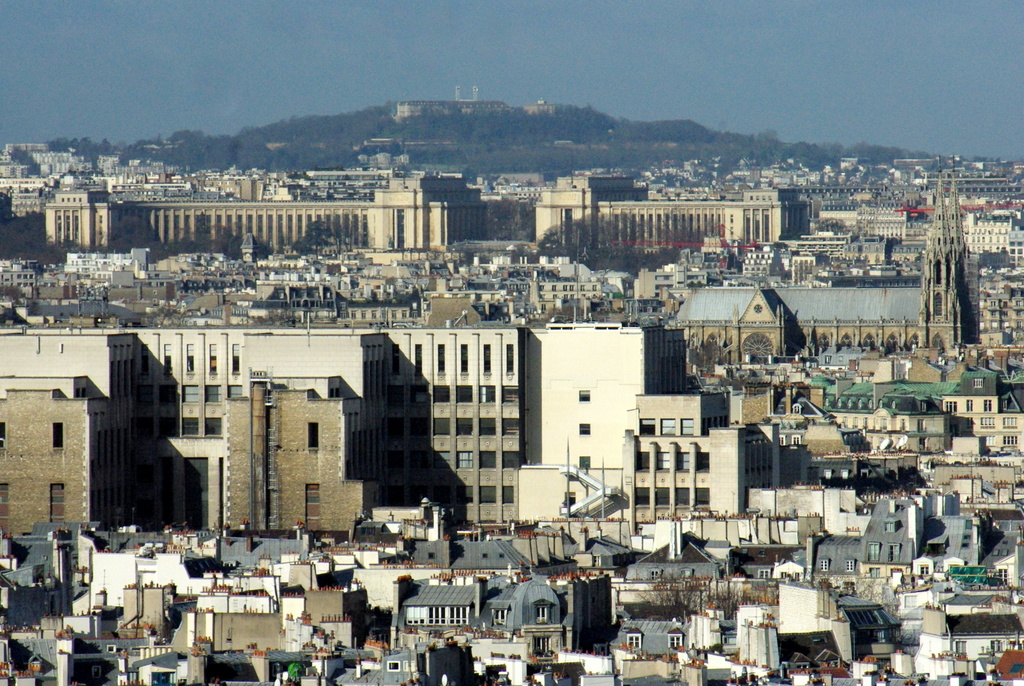 View of Chaillot and Mont Valérien © French Moments