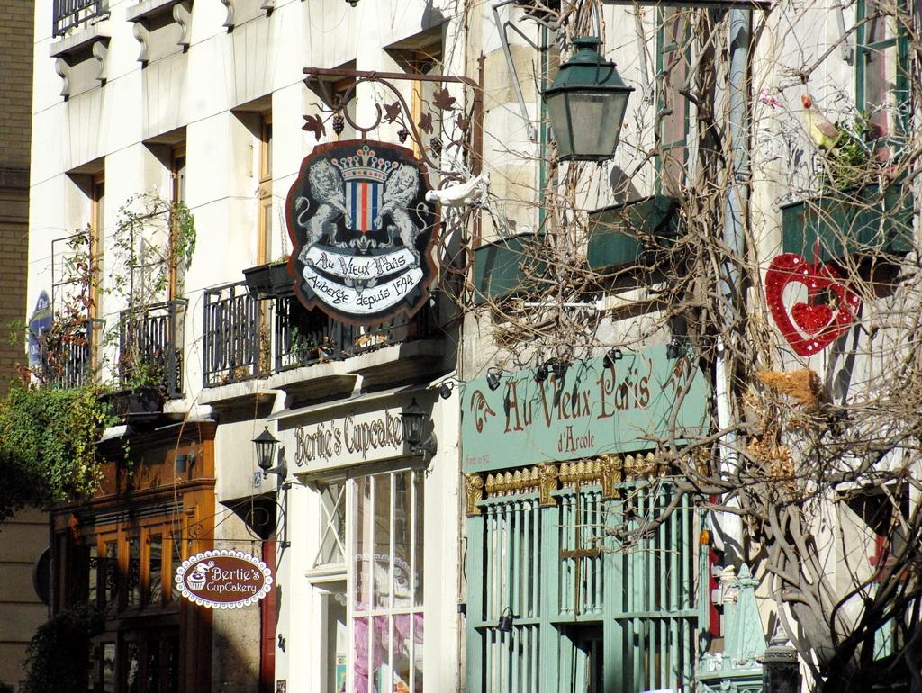 Ile de la Cite Walk 2015 5 copyright French Moments