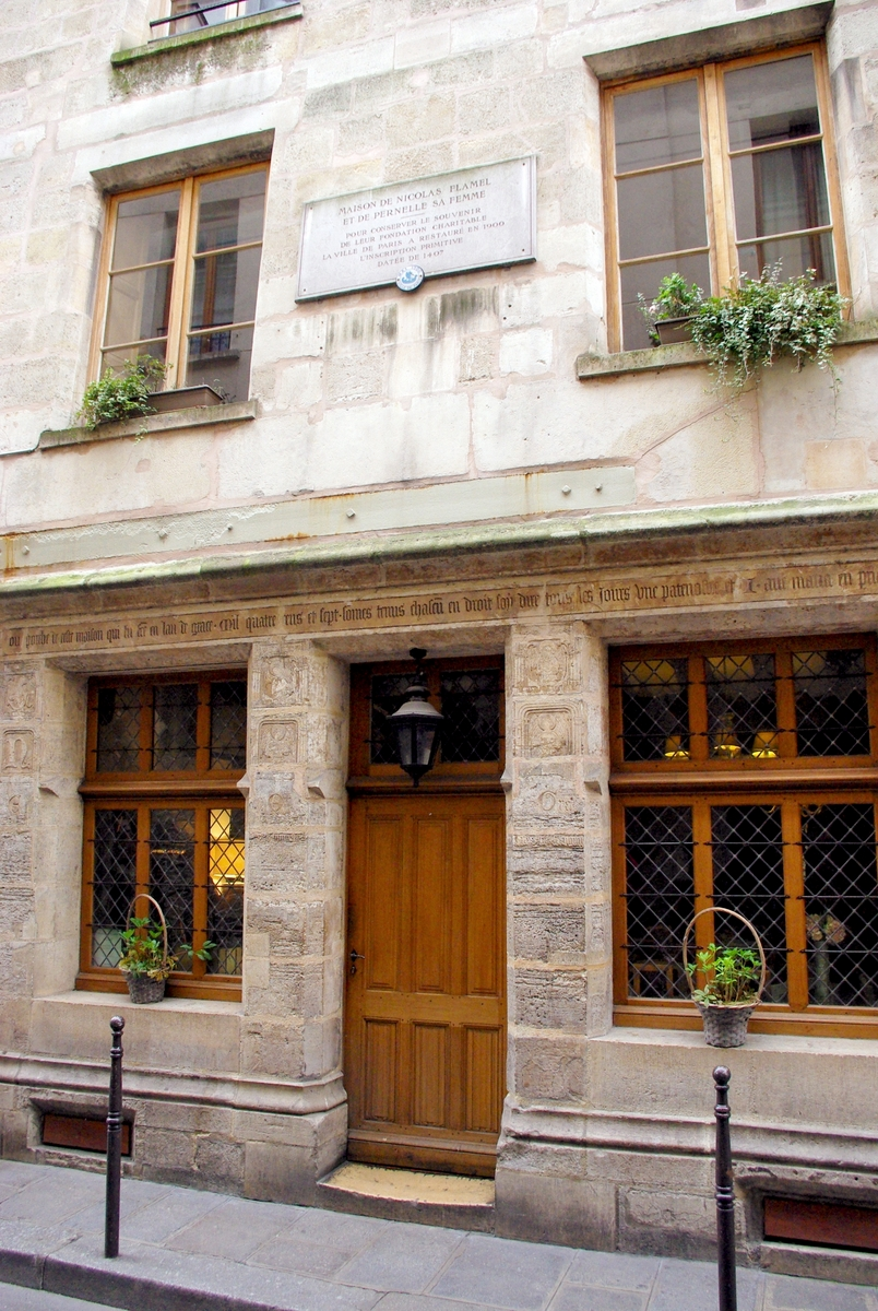 Maison de Nicolas Flamel, Paris © French Moments