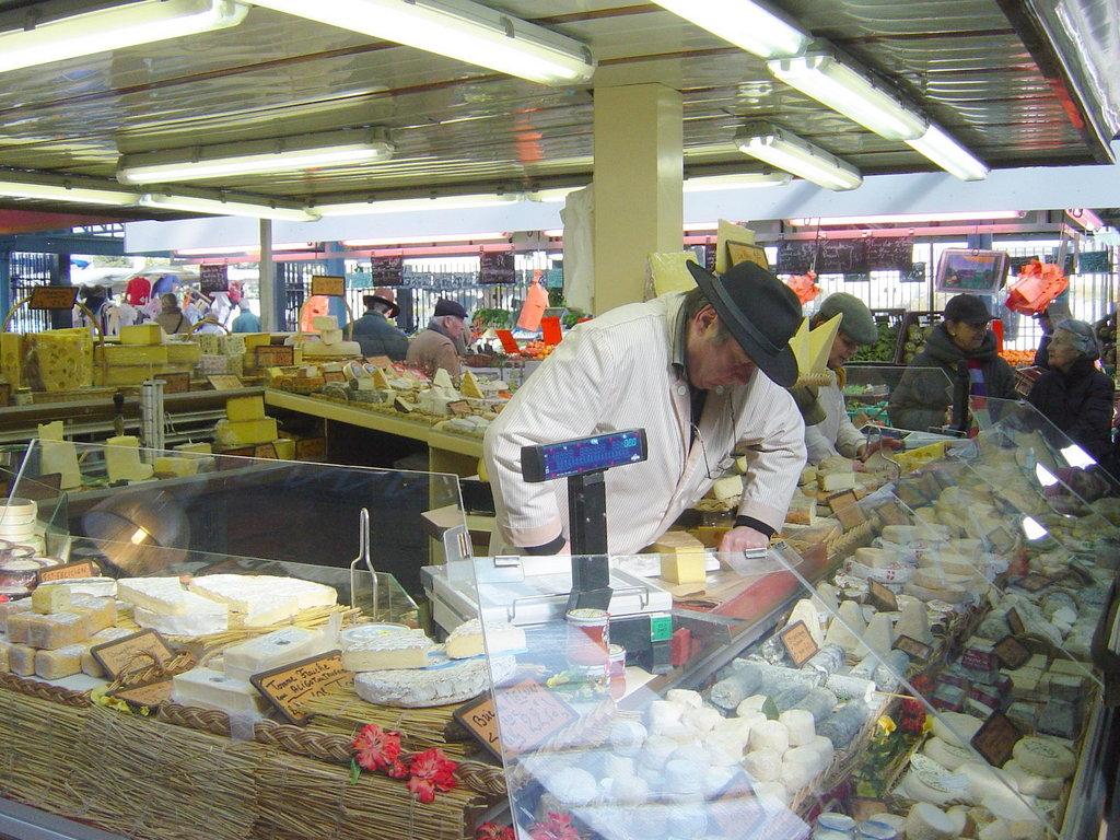 Market Maisons-Laffitte 02 © French Moments