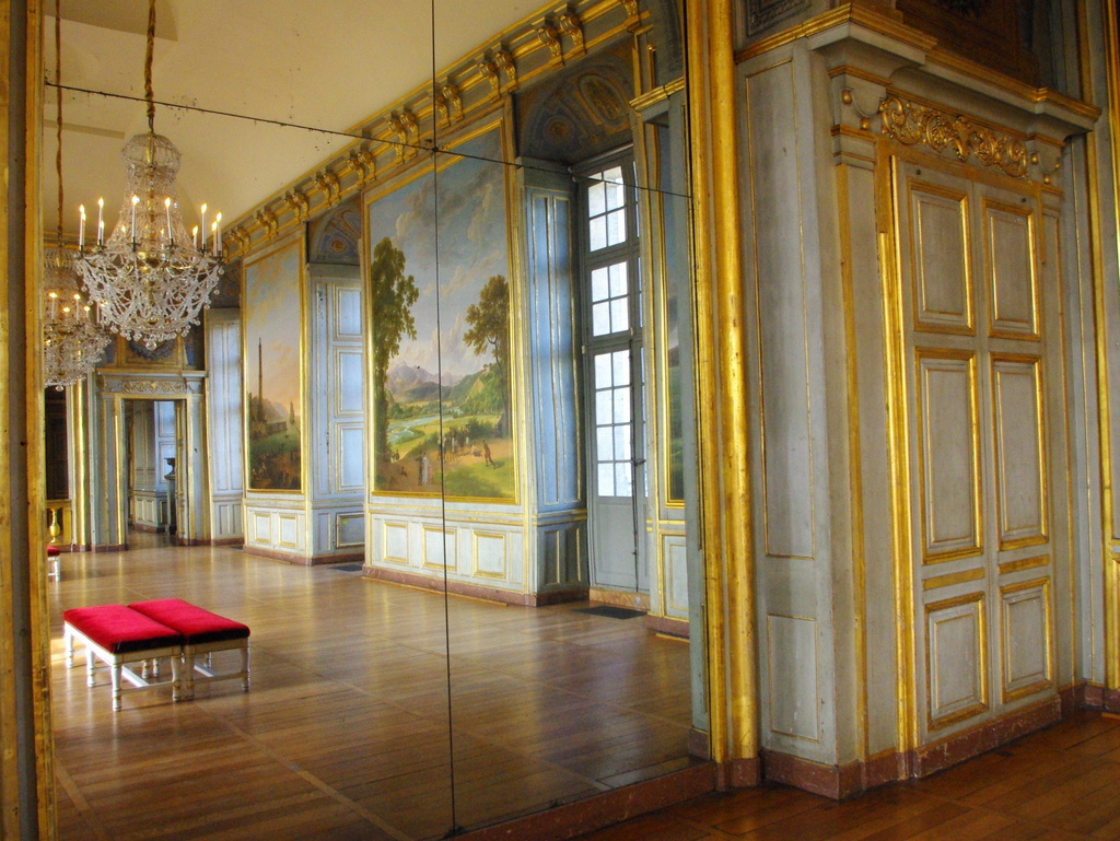 Chateau Maisons Laffitte Interior 31 copyright French Moments