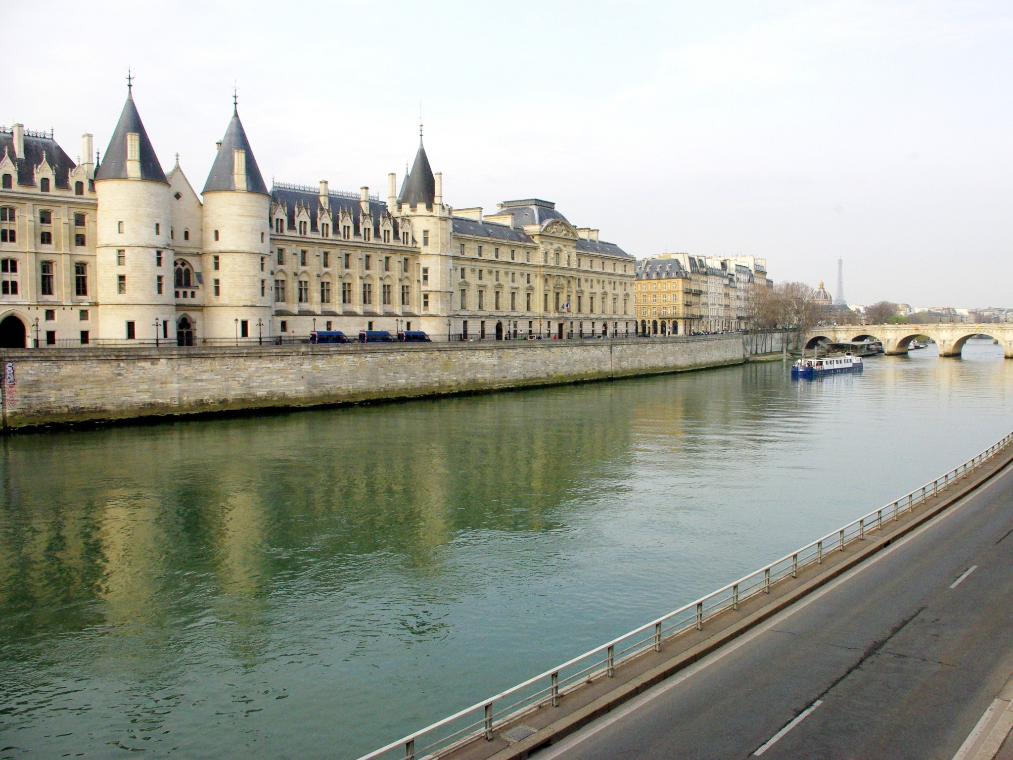 Conciergerie 05 © French Moments