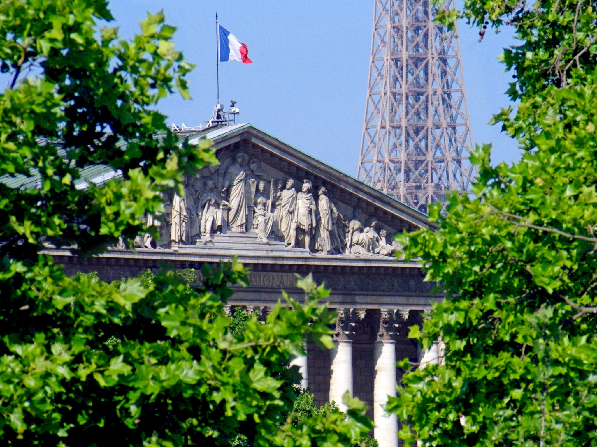 Summer in Paris © French Moments