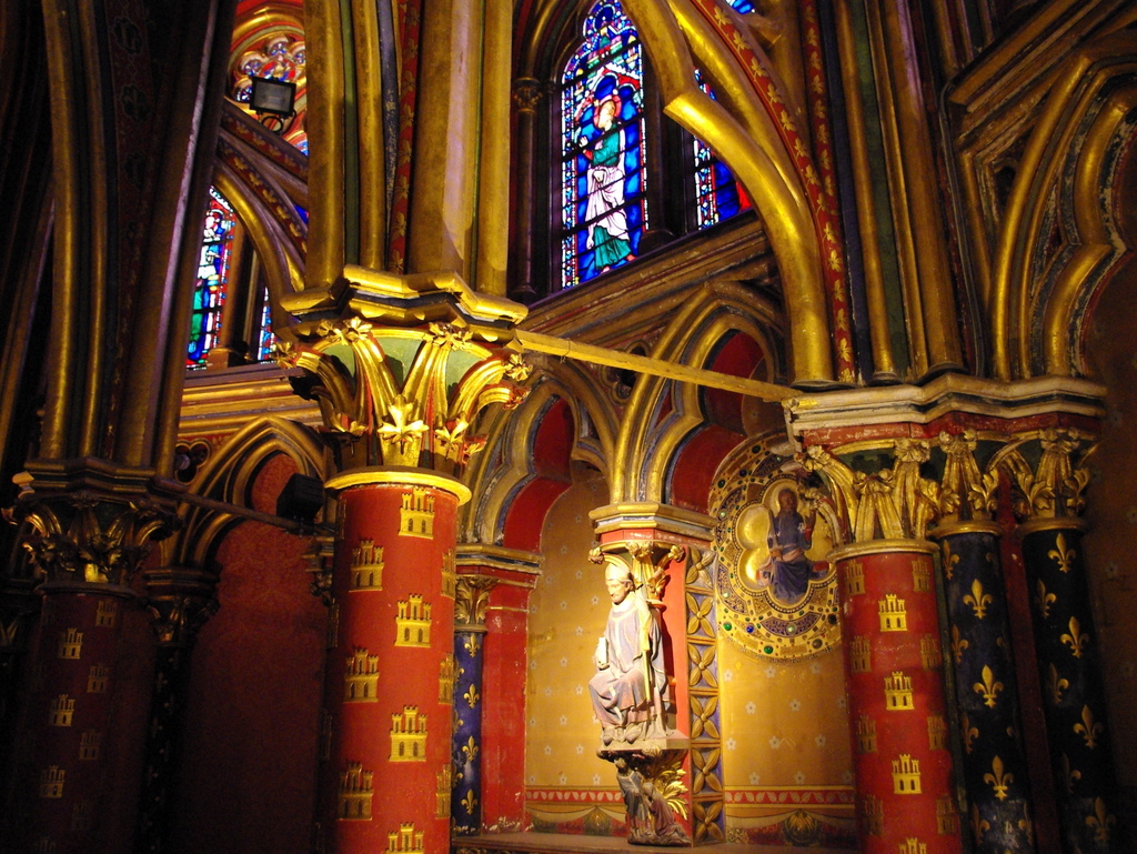 Lower Chapel of Sainte-Chapelle © French Moments