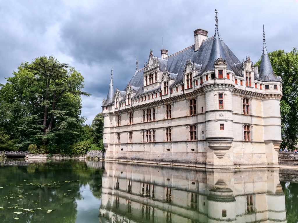 Azay-le-Rideau © Jean-Christophe BENOIST  - licence [CC BY 3.0] from Wikimedia Commons
