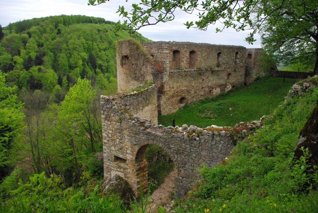 The castle of Ferrette © French Moments