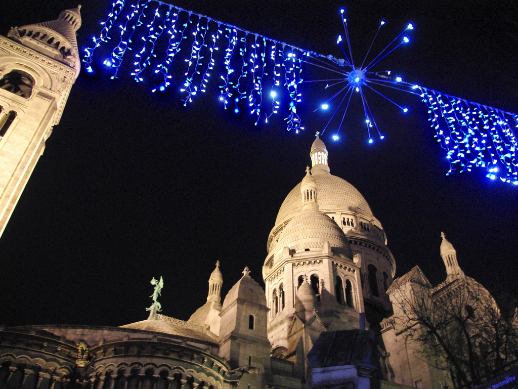 Sacré-Coeur at Christmas © French Moments
