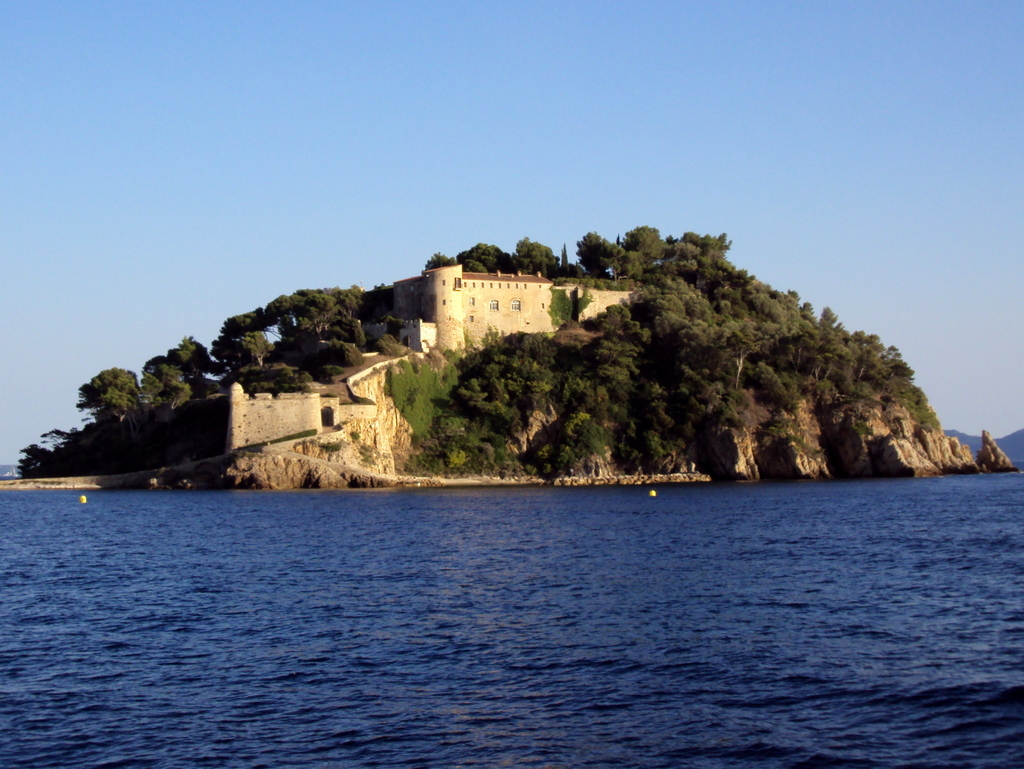 Brégançon Fort © Patrub01 - licence [CC BY-SA 3.0] from Wikimedia Commons
