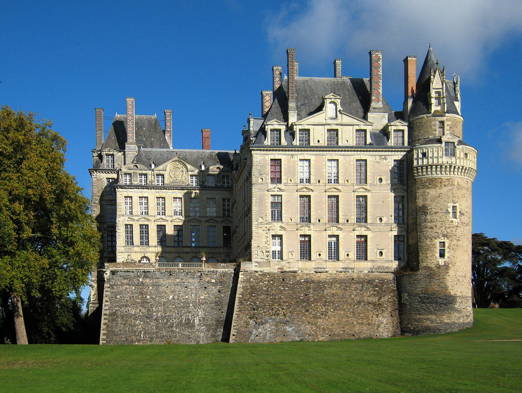 Brissac Castle © Manfred Heyde - licence [CC BY-SA 3.0] from Wikimedia Commons