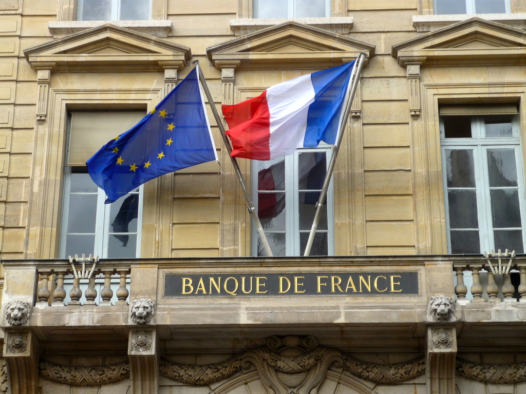 French flag on French Central Bank © French Moments