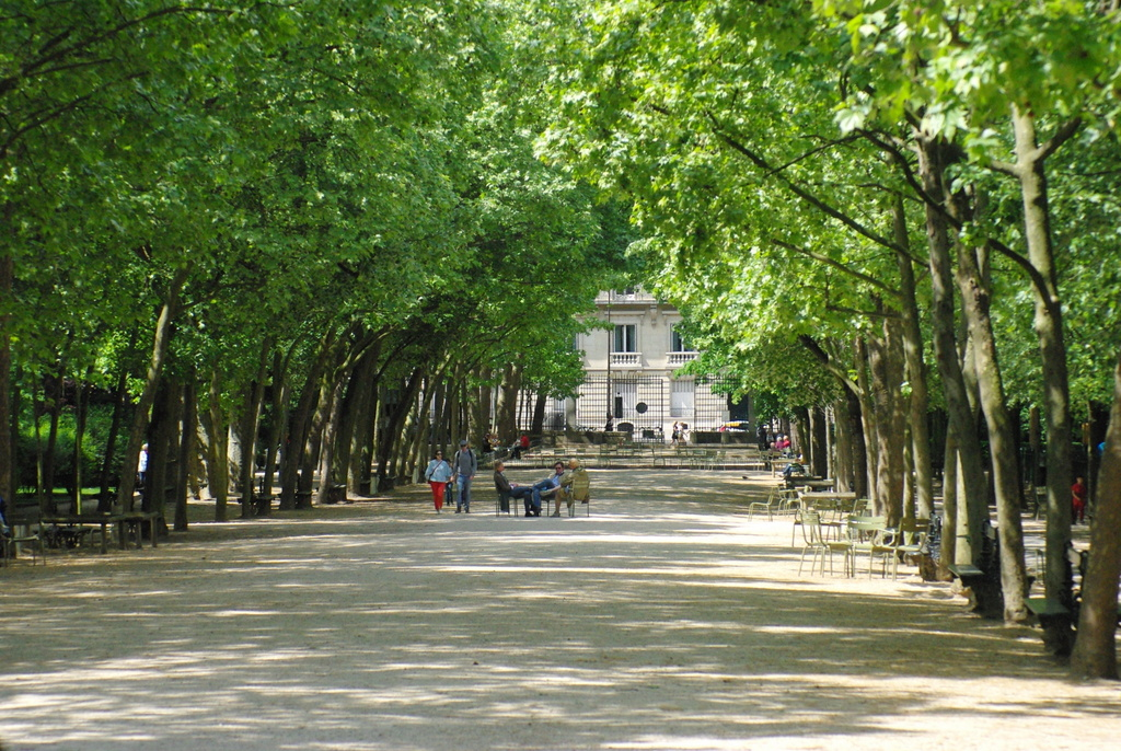 Luxembourg Garden in the Spring © French Moments
