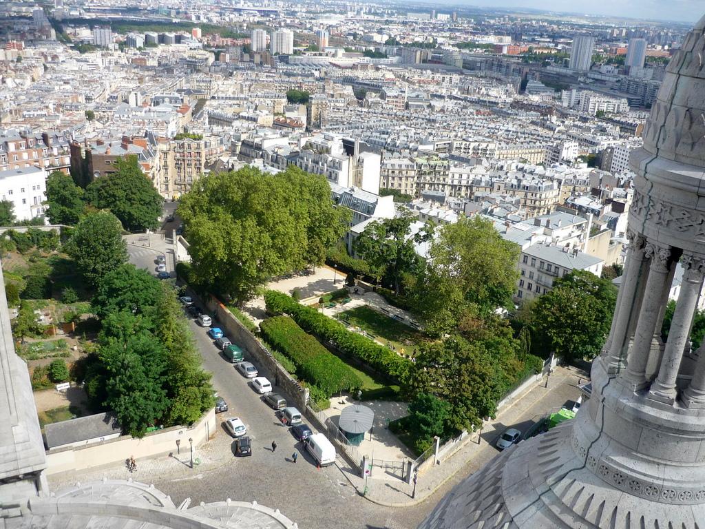 Parks and Gardens of Paris: Parc de la Turlure in Montmartre © French Moments