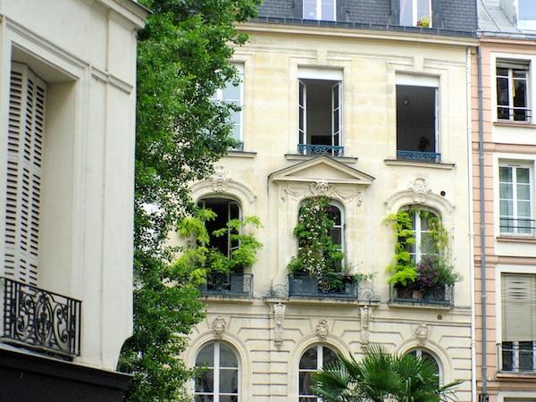 Rue de Seine © French Moments