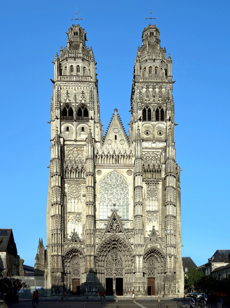 Tours Cathedral © Velvet - licence [CC BY-SA 3.0] from Wikimedia Commons