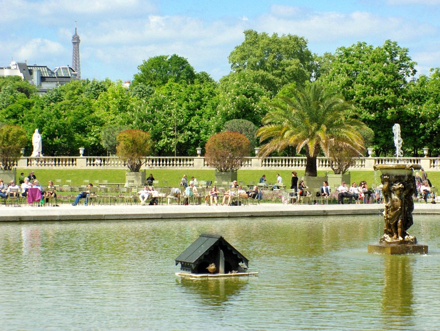 Jardin du Luxembourg - the Grand Bassin copyright French Moments