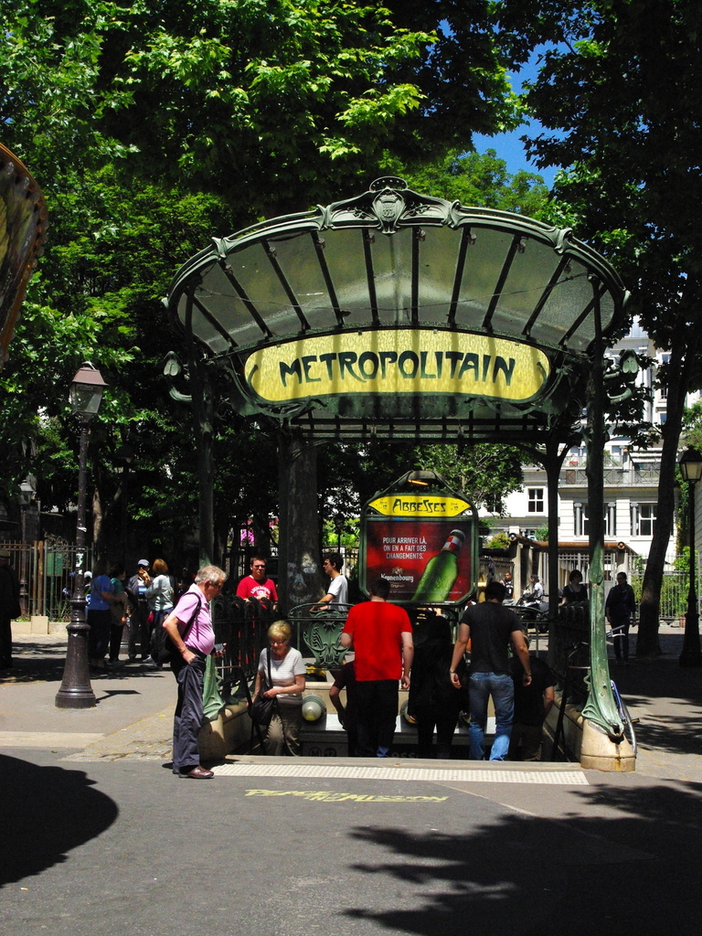 Metro station, place des Abbesses © French Moments