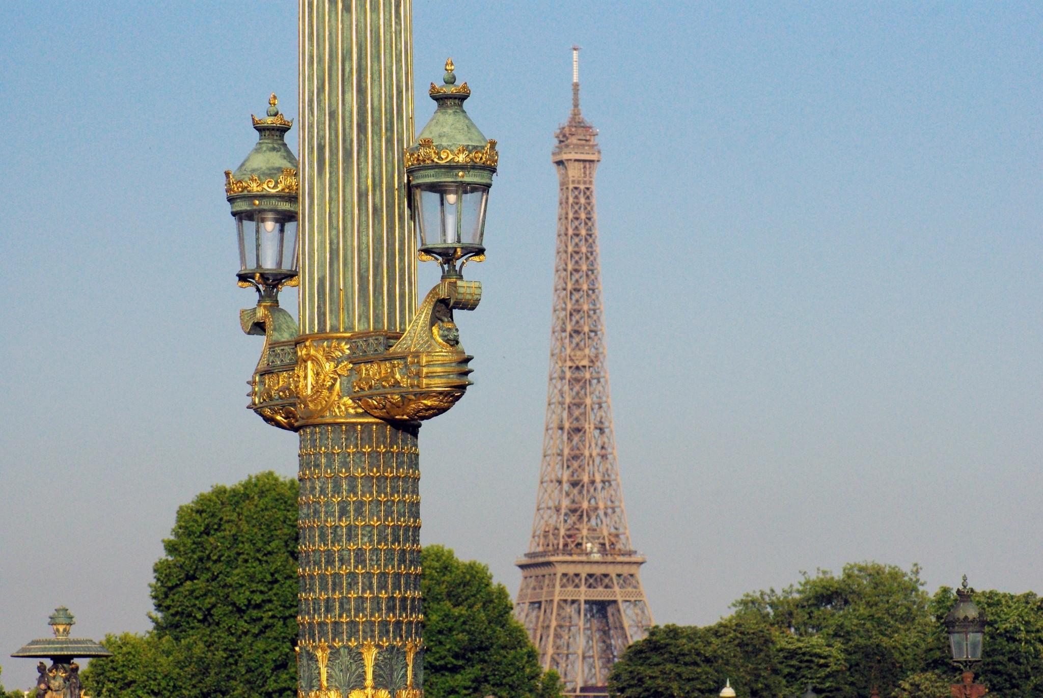 Lamp Posts of Paris: Place de la Concorde © French Moments