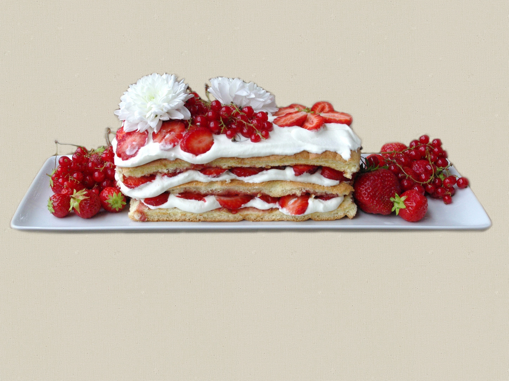 Strawberry Birthday Cake © French Moments