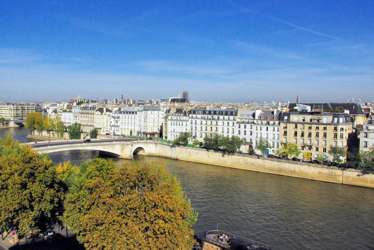 Ile Saint Louis, Paris © French Moments