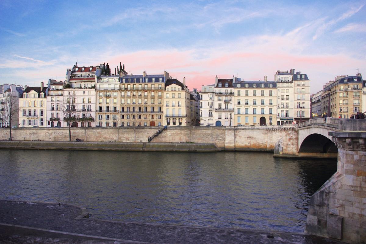 Romantic places in Paris: Ile Saint Louis © French Moments