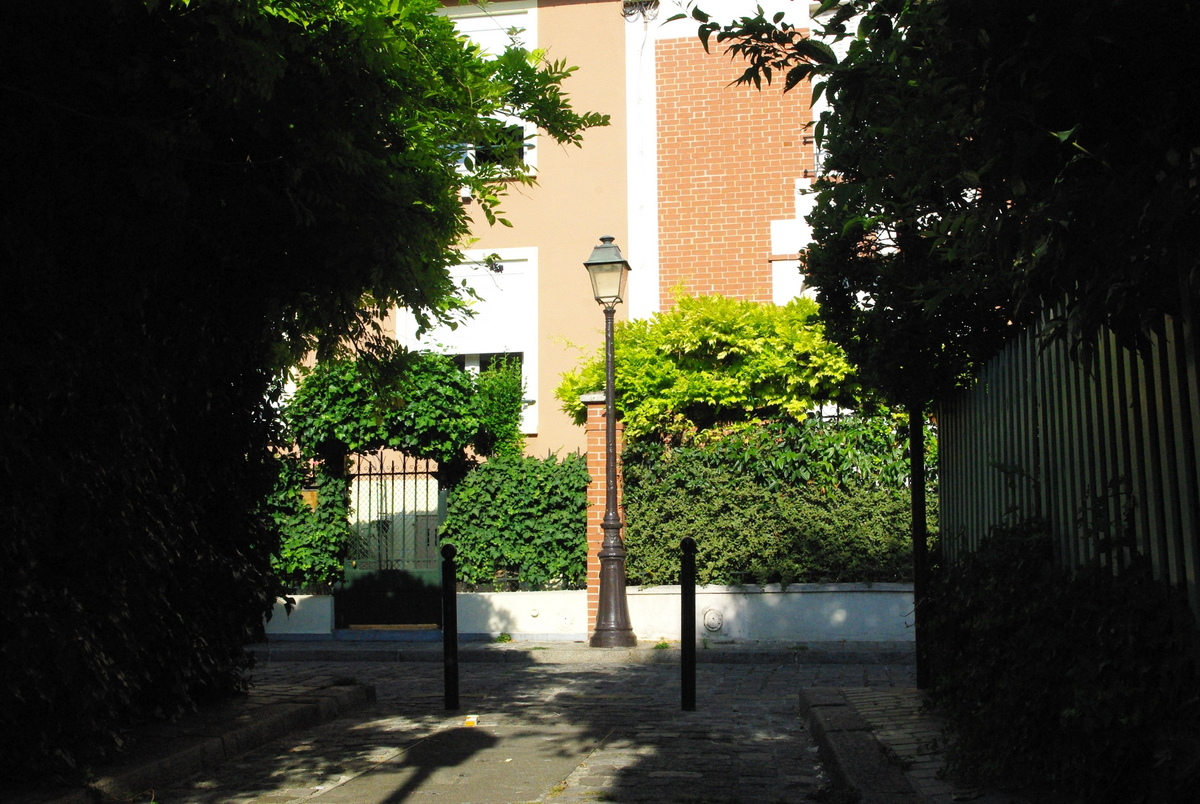 Explore The Unusual Streets Of La Campagne A Paris French Moments