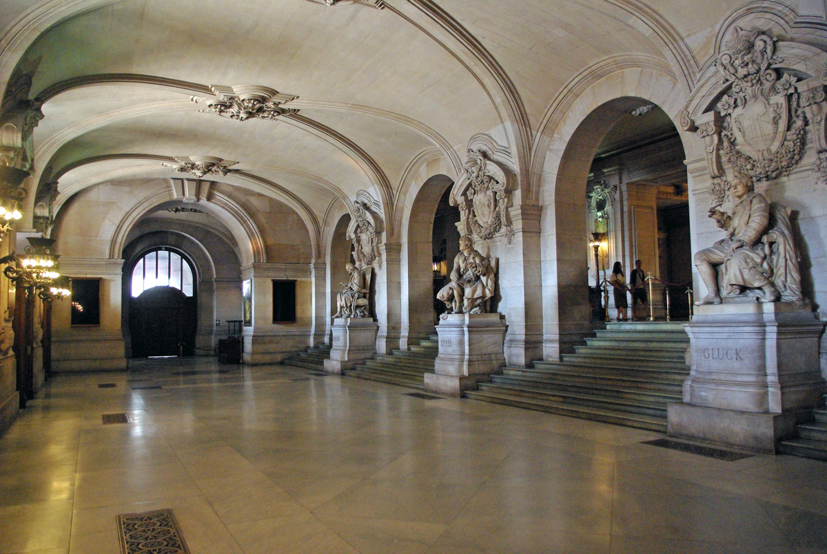 Grand Vestibule © French Moments
