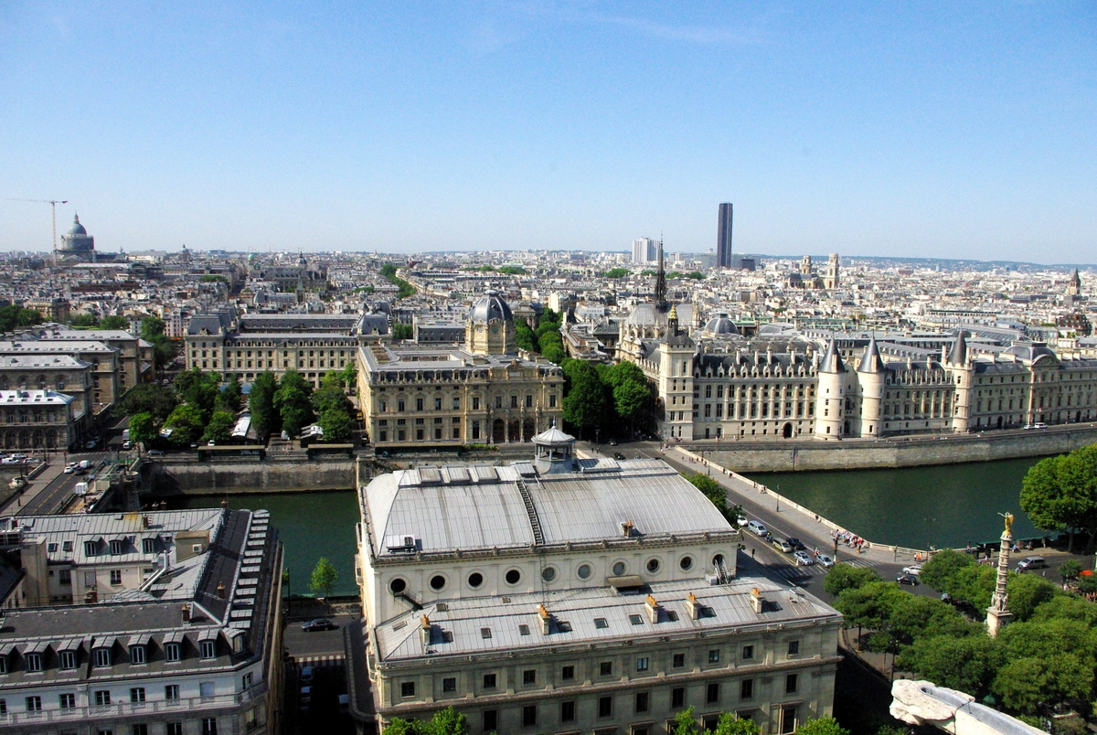 Panoramic View from Tour Saint-Jacques 8 copyright French Moments