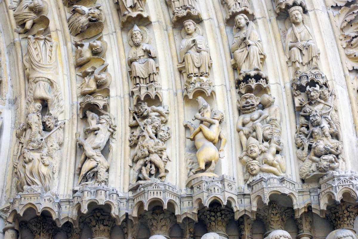 Archivolts of the Last Judgment Portal © French Moments