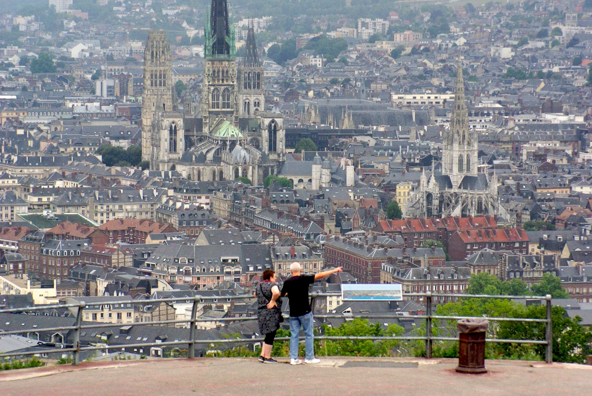 Rouen cathedral seen from Côte Sainte-Catherine © French Moments