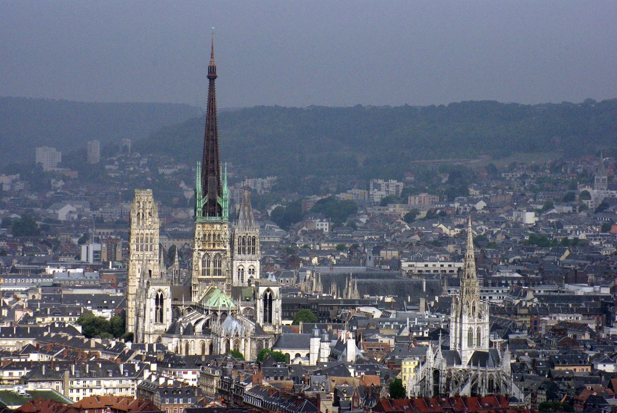 France's tallest cathedrals - Rouen cathedral (151 m) © French Moments