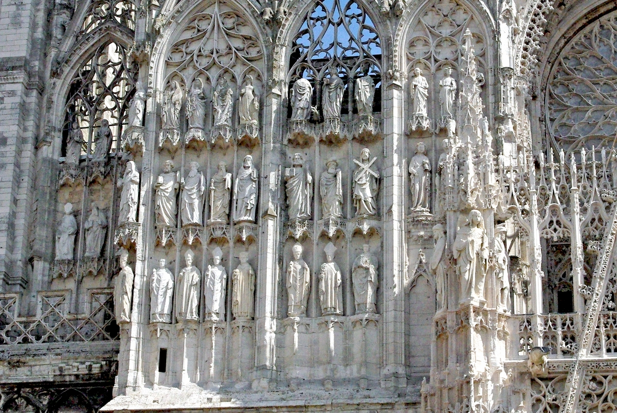 Monumental Statues of Rouen Cathedral copyright French Moments